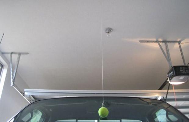 лайфхак для автомобилистов мяч