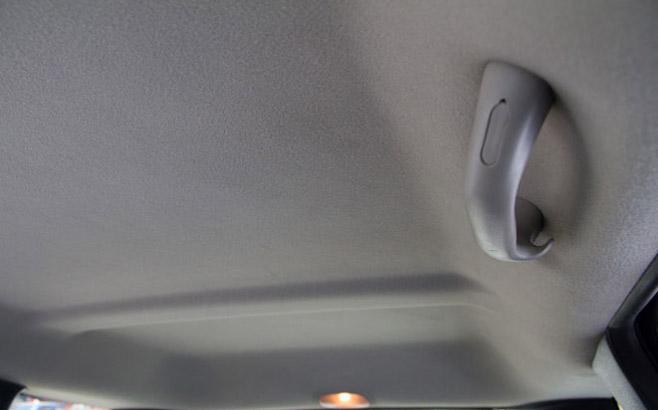 Как очистить потолок в автомобиле