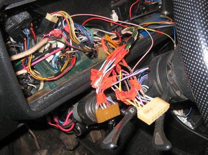 Как обнаружить короткое замыкание в проводке автомобиля