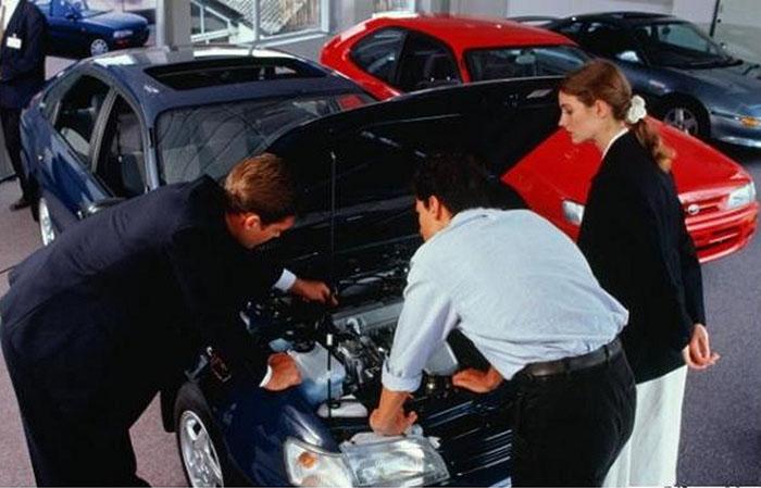 Как осматривать автомобиль при покупке