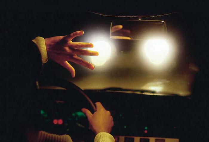 Как управлять автомобилем при ярком свете. 10 советов