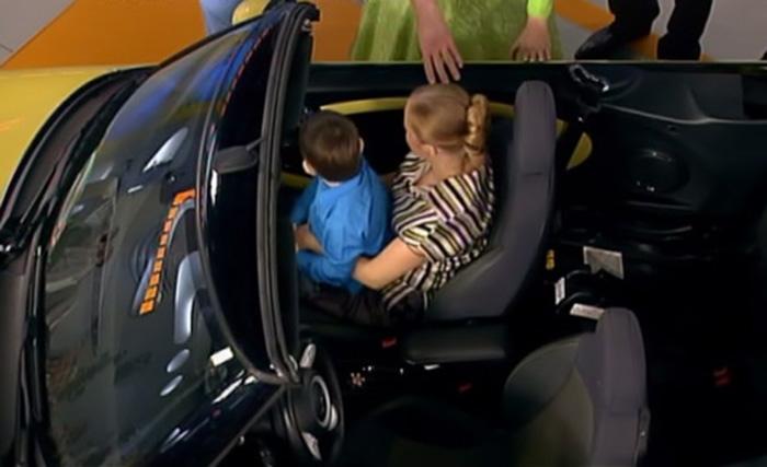 Можно ли перевозить ребенка на руках у взрослого