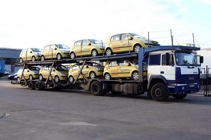 Как называется машина на которой перевозят машины