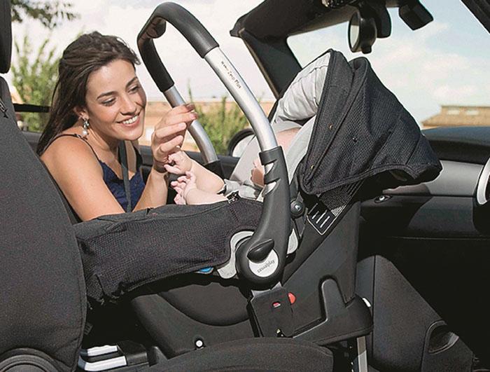 Правила перевозки детей в автомобиле на переднем сидении