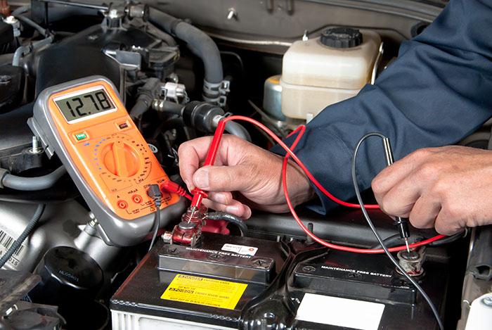 Как зарядить полностью разряженный автомобильный аккумулятор