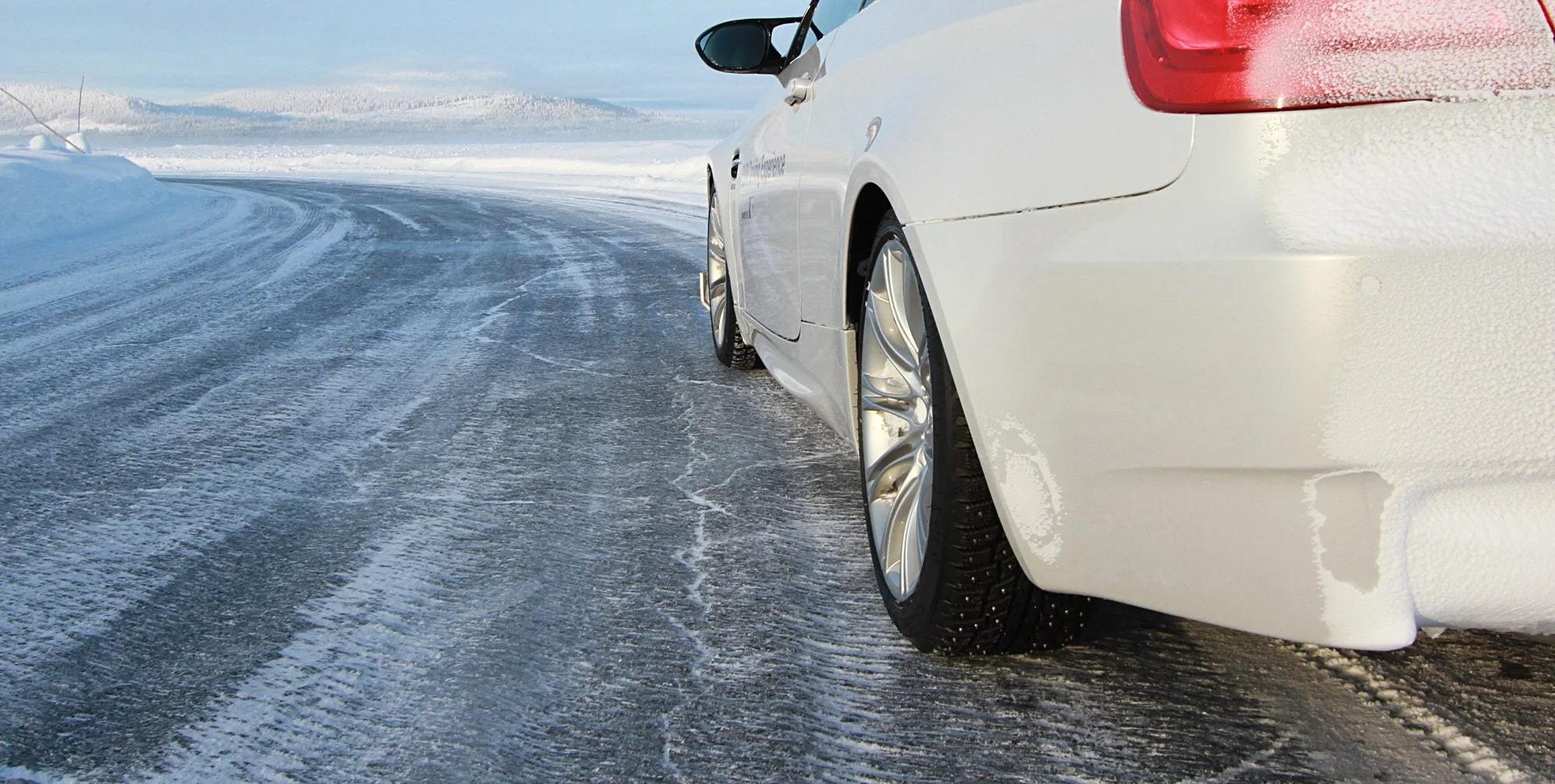 Вождение по обледевшей дороге