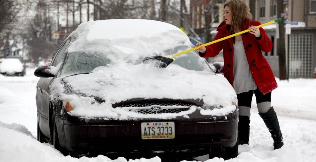 Защита кузова автомобиля зимой