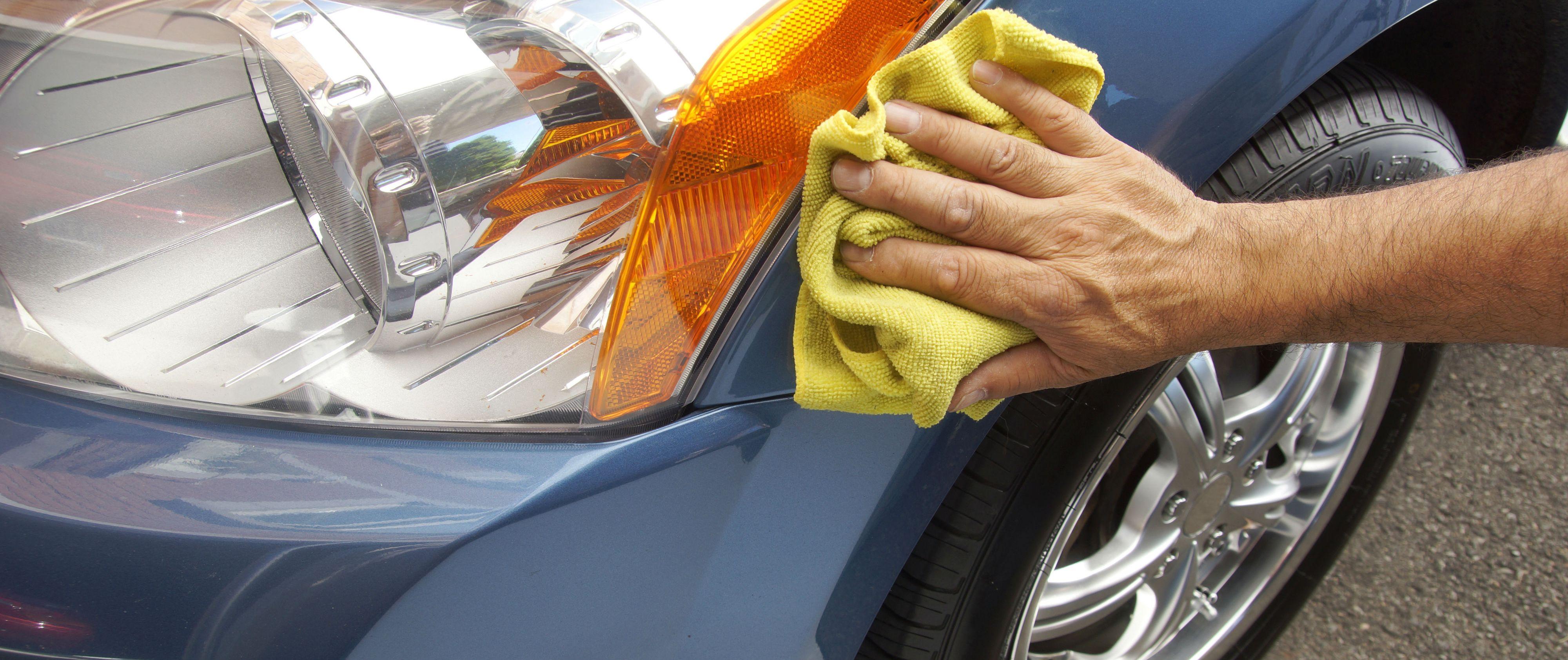 Очистка автомобиля от тополиных почек