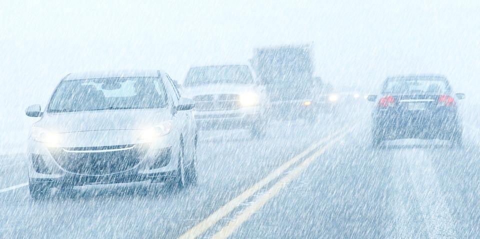 Управление автомобилем в снегопад