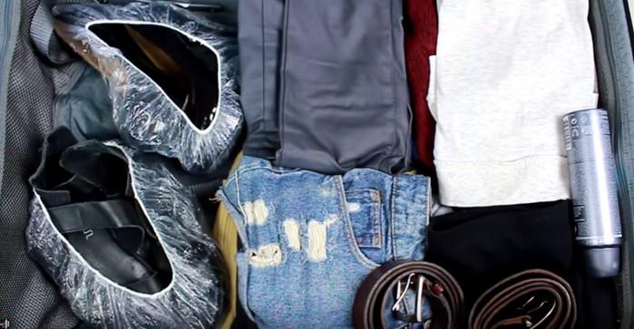 обувь в чемодане