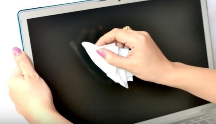 салфетки для очистки монитора компьютера