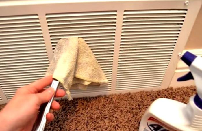 грязная вентиляционная решетка