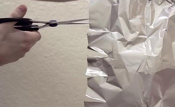 точить ножницы о фольгу