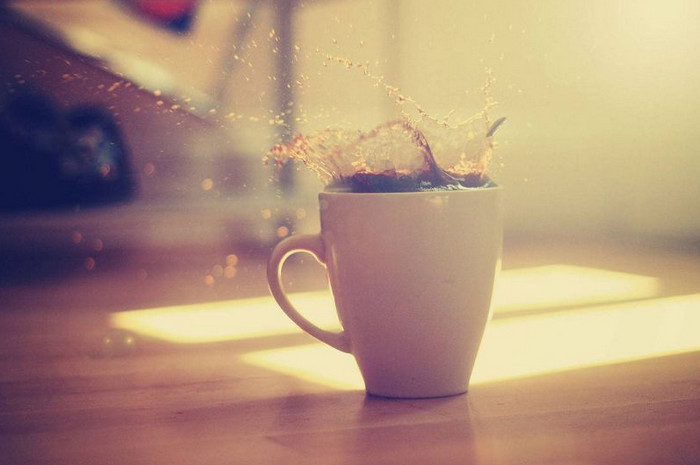 чашка с налетом от чая
