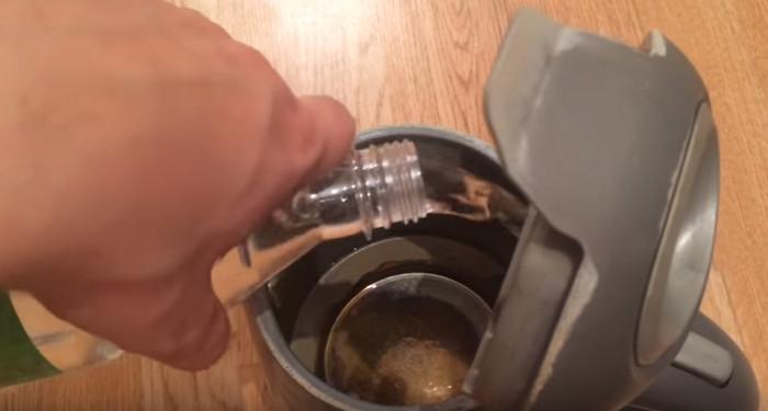 накипь в чайнике