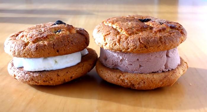 сэндвич из печенья и мороженого