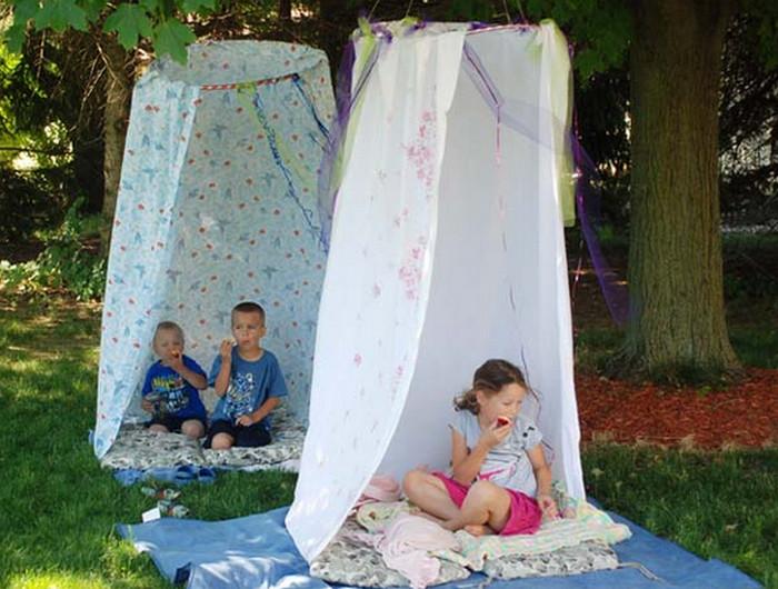 шатер из хула-хупа и простыни