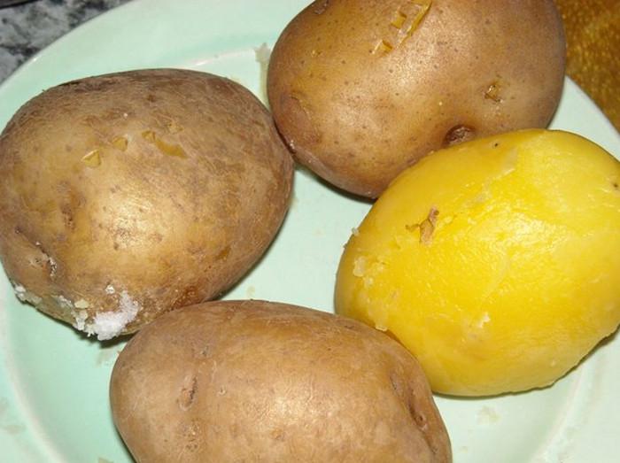 картошка в мундире отваренная