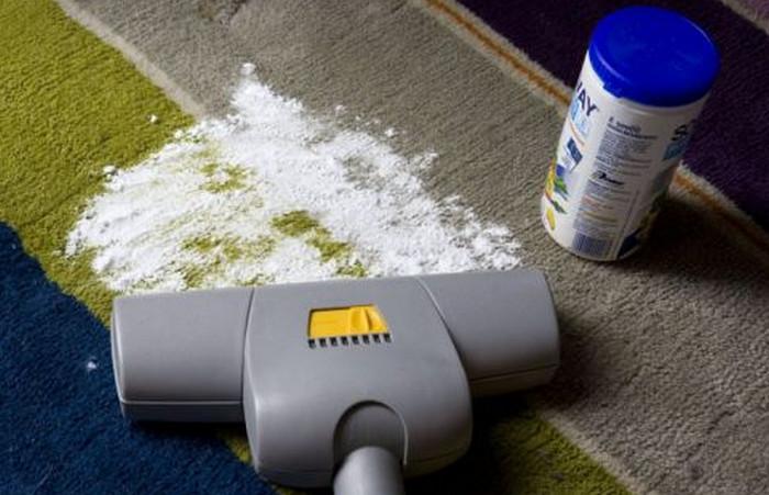 сода на ковре