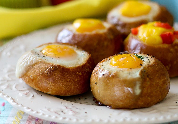 яйцо в булочке