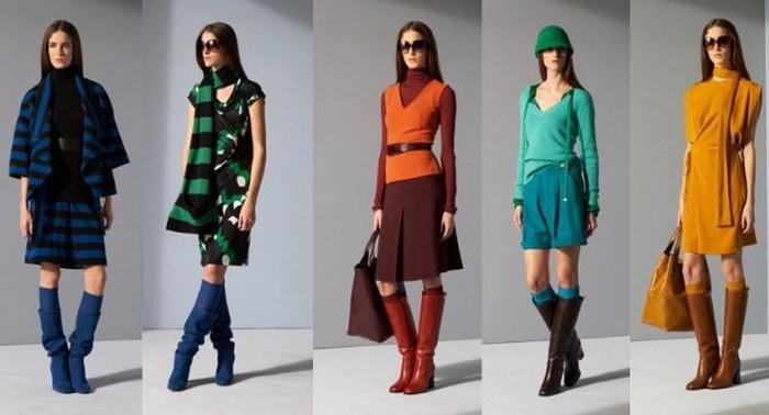 девушки в разноцветной одежде