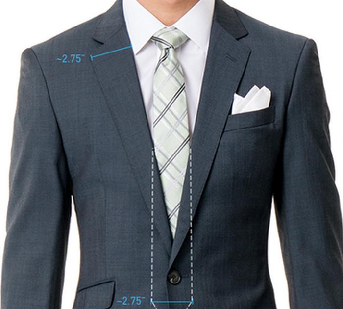 мужчина в галстуке и пиджаке