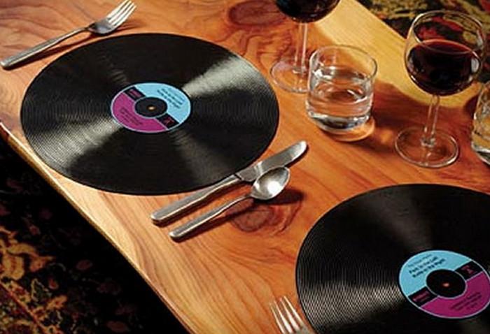 подставки под тарелки из пластинок