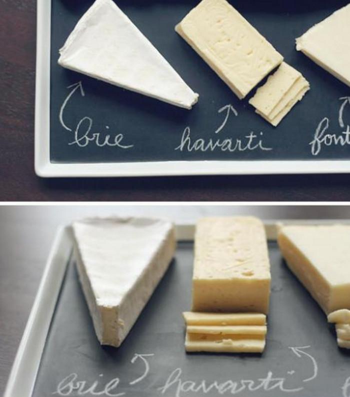 сыр на грифельной доске