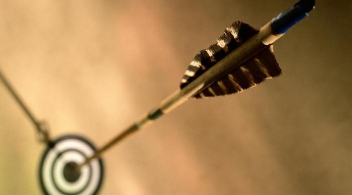 стрела в мишени