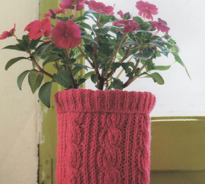 цветочный горшок в вязаном чехле