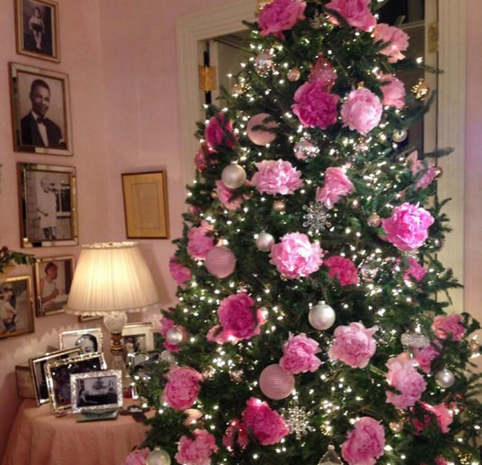 елка в цветах