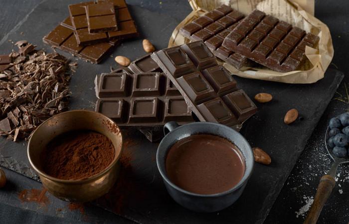плитка горького шоколада