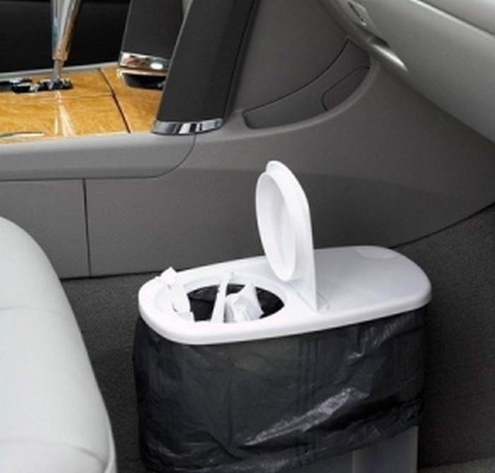 мусорная корзина в машине