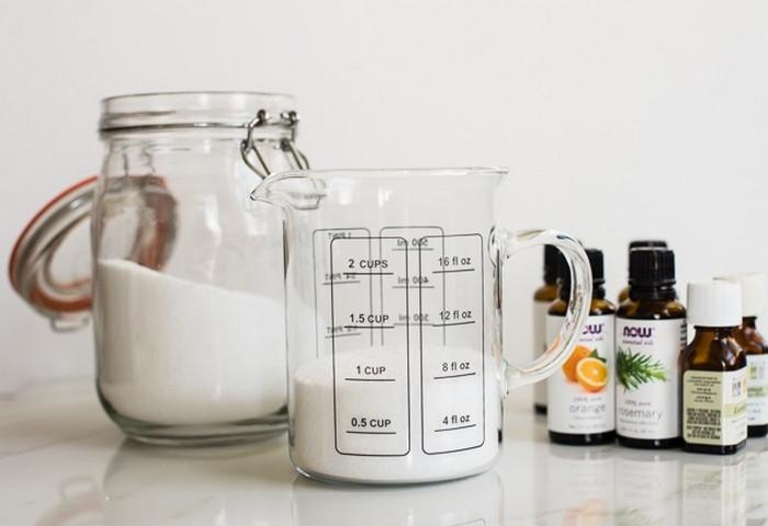 сода и эфирные масла