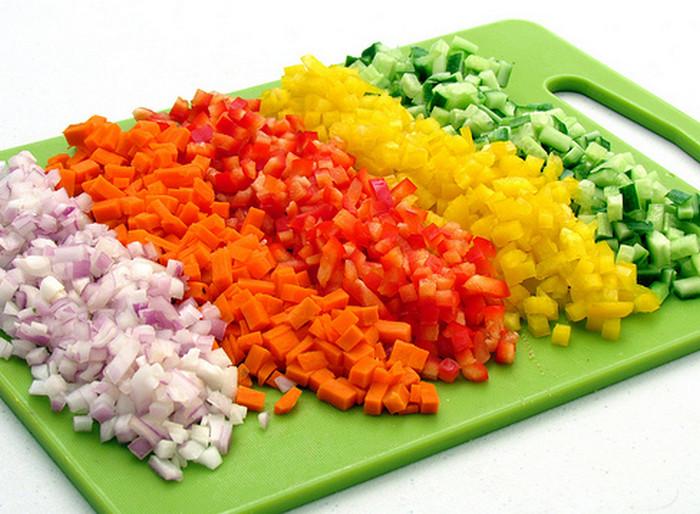 мелко порезанные овощи
