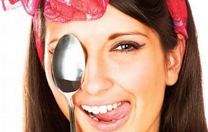 ложка на глазу