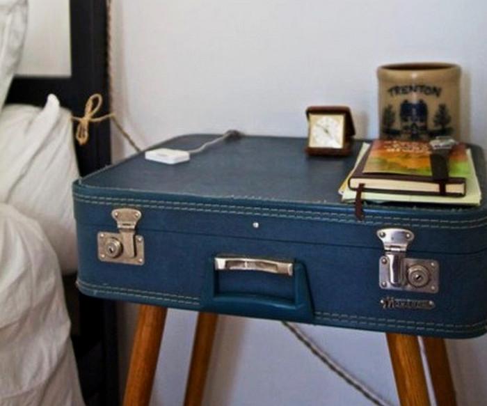 прикроватная тумбочка из чемодана