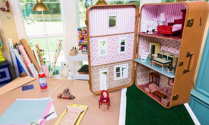 кукольный домик из чемодана