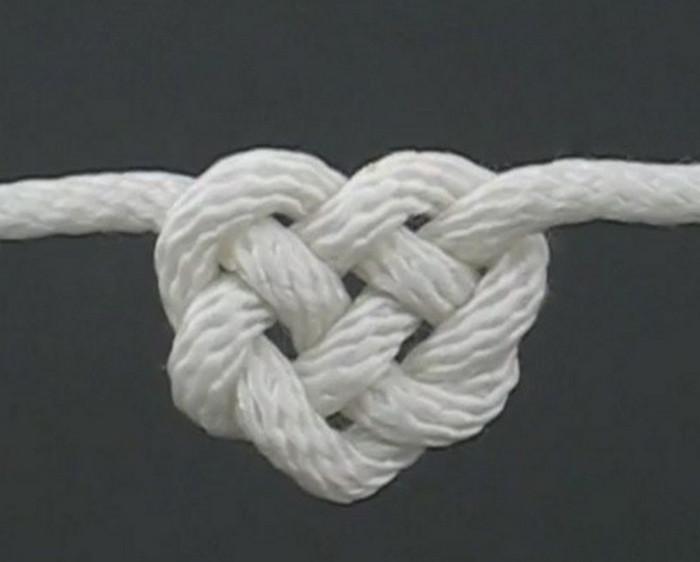 сердце из узлов