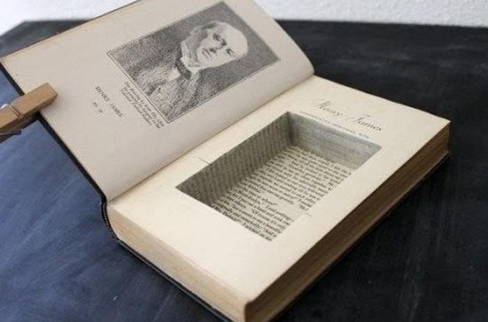 тайник в книге