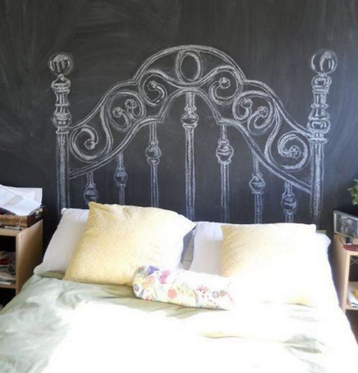 нарисованное мелом на грифельной стене изголовье