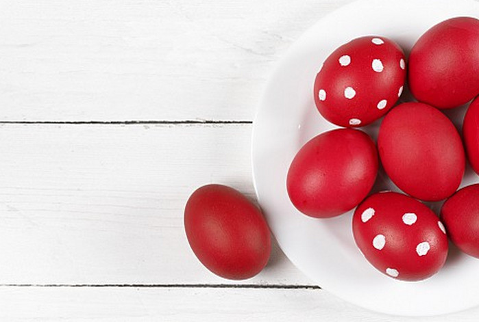 бордовые яйца