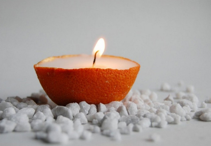 свеча в апельсиновой кожуре