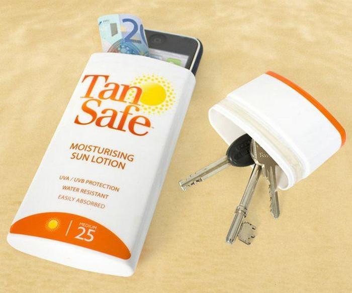 телефон и ключи в тубе от крема