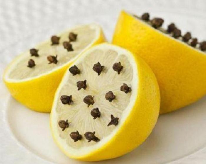 лимон с гвоздичками