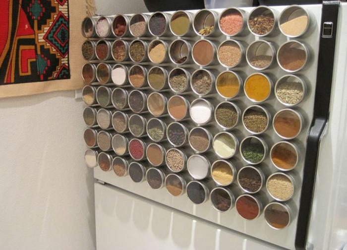 магнитные баночки для специй на холодильнике