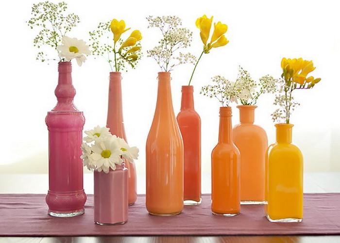 цветы в покрашенных бутылках