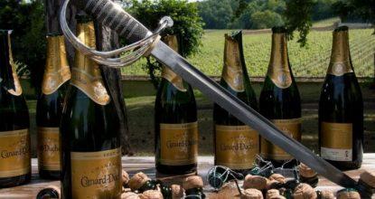 ТОП 10 лайфхаков, как открыть вино без штопора: без паники!