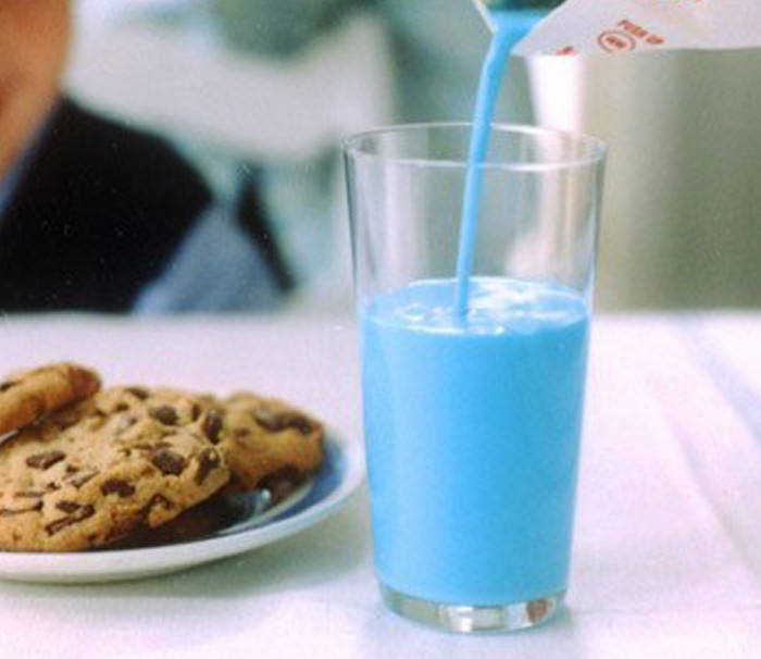 голубое молоко