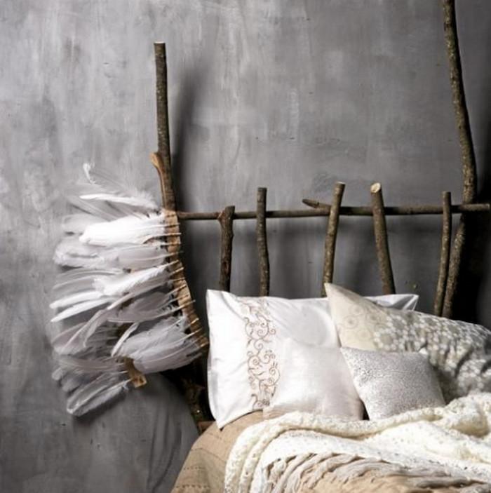 изголовье кровати из палок